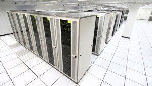 Data merkezlerinin yıldırım ve aşırı gerilimden korunması büyük önem taşımaktadır.